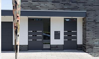 Haupt und Nebentür Modern