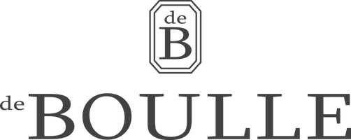 2018 de Boulle Logo with Bug gREY.png