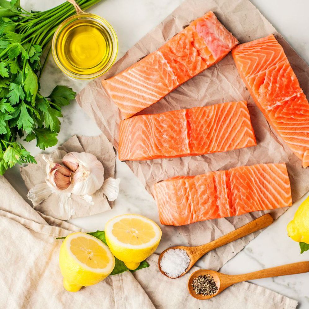 baked-salmon-with-garlic-3056832-Ingredi