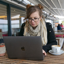 Digital Nomad working in cafe