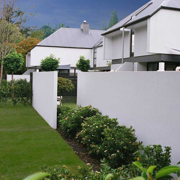These slim line fences are self-supporting, which means the lack of large structural columns offers you versatility in placement. The slim design ensures a light and contemporary appeal to any area surrounding your home.