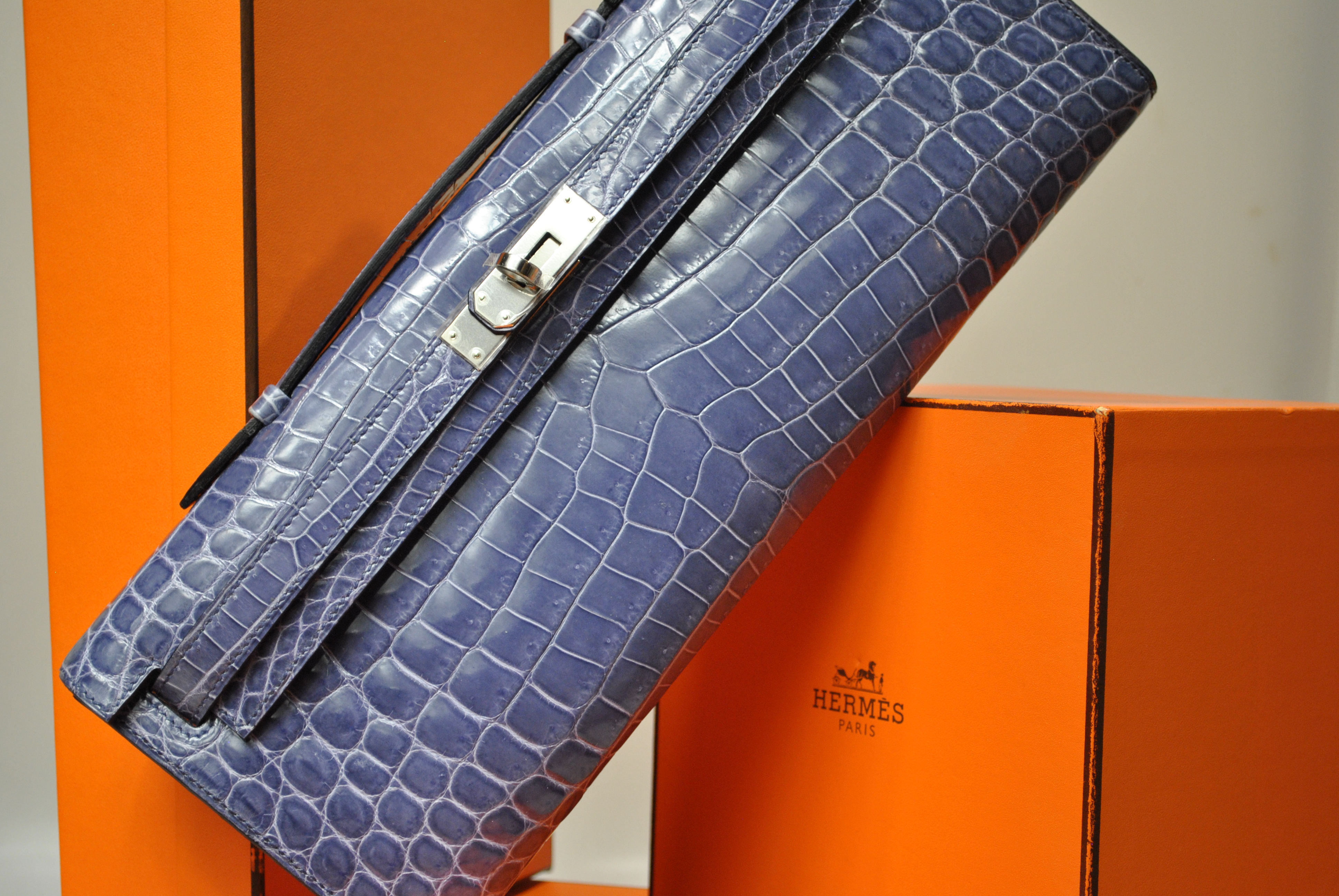 KELLY CLUTCH CROCODILE NILOTICUS BLEU BR