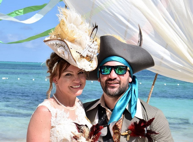 Pirate Bride and Groom