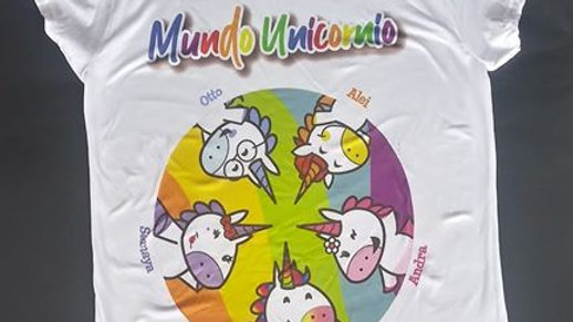 Playera Oficial de Mundo Unicornio