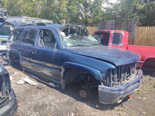 2005 GMC TAHOE in for parts