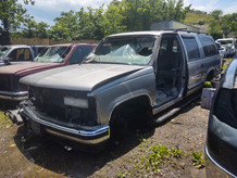 1999 Chevy Suburban in for parts