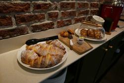 Croissant 2C Cafe