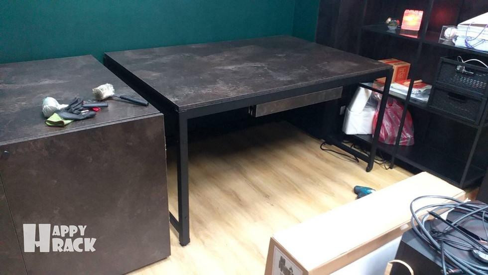 H2108215 黑砂紋+碳黑陶瓷 門板 組合桌 懸空架 封孔柱_210823_6 拷貝.jpg
