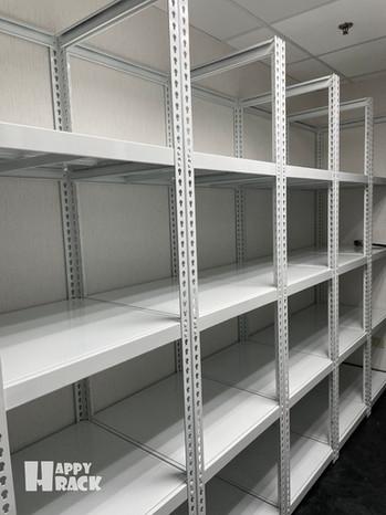 H2102285 白色角鋼+鋼製層板 +吊衣桿_210317_1 拷貝.jpg