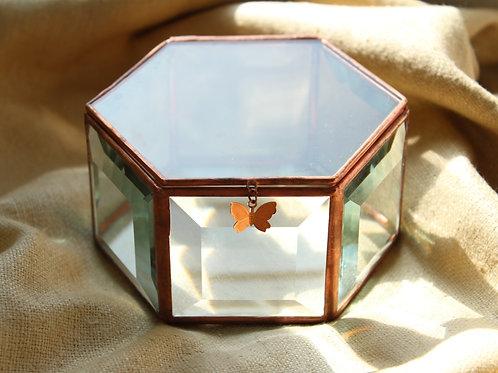 Шкатулка для колец, шкатулка с фацетным стеклом, медные швы