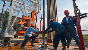 American oil drillers' output could top Saudi Arabia and rival Russia by 2019, US forecast shows