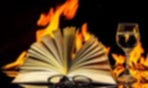 book-2040901_1920.jpg