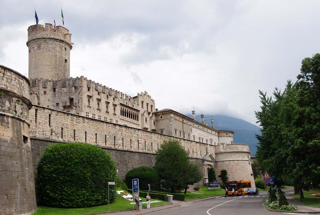 Castello_Buonconsiglio.jpg