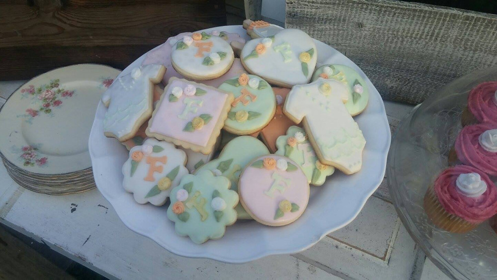 Beautiful cookies made by Cookies by Kayli