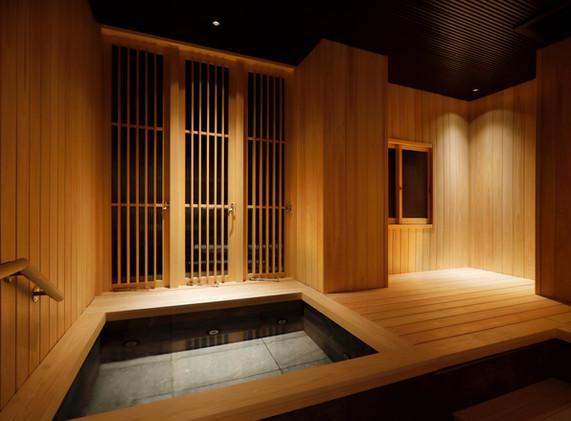 ひのきの香りが広がる浴室