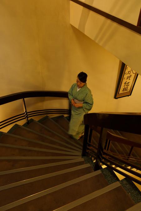 ロビー螺旋階段