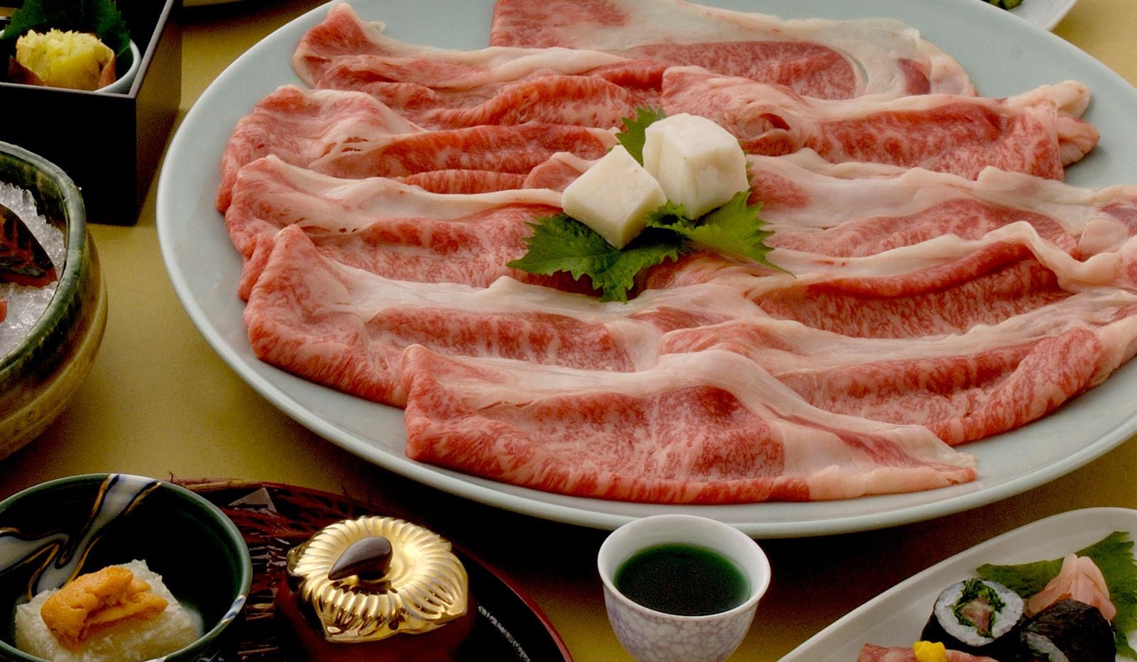 神戸牛すき焼き会席一例