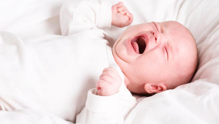 אז מה עושים כשתינוק בוכה?