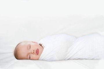 תינוק עטוף.jpg