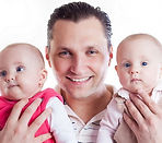 אבא לתאומים