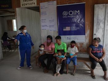 Comunidade indígena na fronteira do Brasil com a Venezuela recebe atendimentos de saúde pela OIM