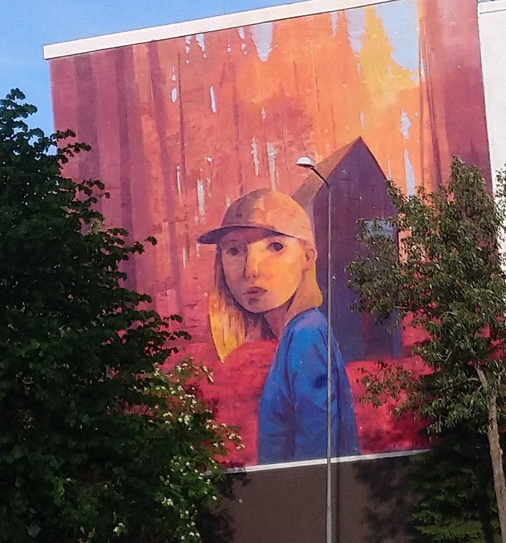 Muraali Ratakatu, Oulu. Andrew Hem.  Sanamieli