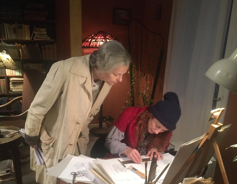 On the set showing hoy to draw.
