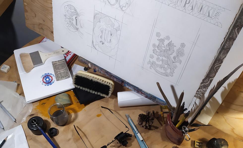 Proceso creativo, sello y billete / Creative process, stamp and bill note.