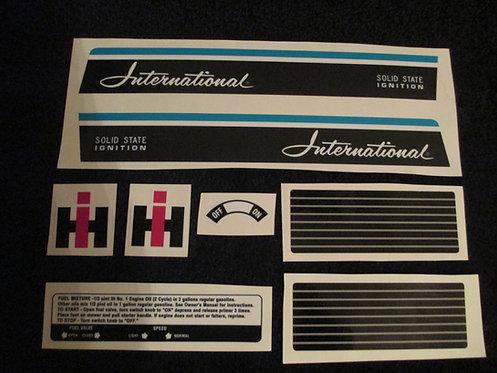INTERNATIONAL HARVESTER 8 PIECE DECAL SET