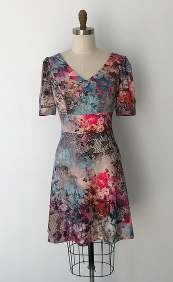 Fit and flare dress with puffed sleeve and empire line: Iris dress