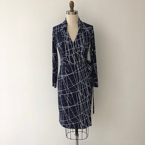 Trudy True Wrap-abstract navy stripe