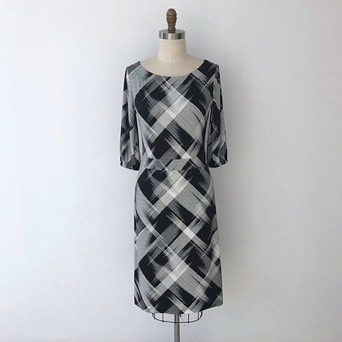 Bettina dress:Abstract black stripe