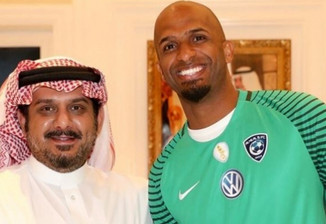 Legendary Al Habsi signs for Al Hilal