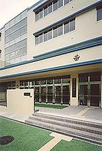 文化中学校 玄関1.jpg