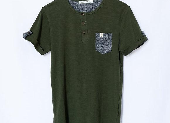 T-shirt serafino con taschino