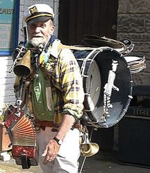 Vic Ellis… a real one man band
