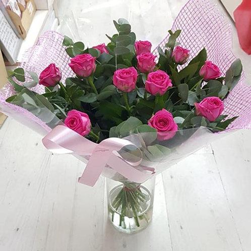 ורדים בורוד עם אגרטל