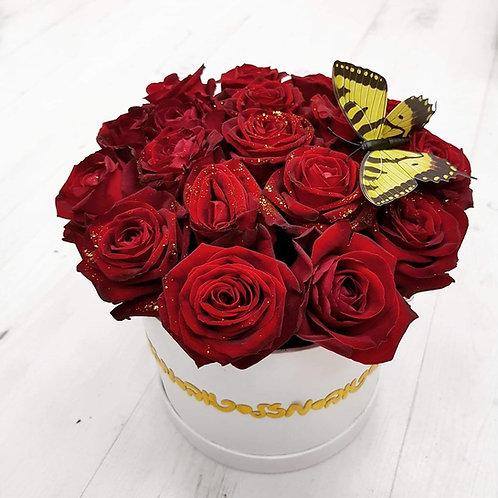 ורדים אדומים בקופסא