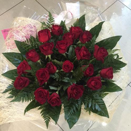 זר ורדים אדומים רד רוז