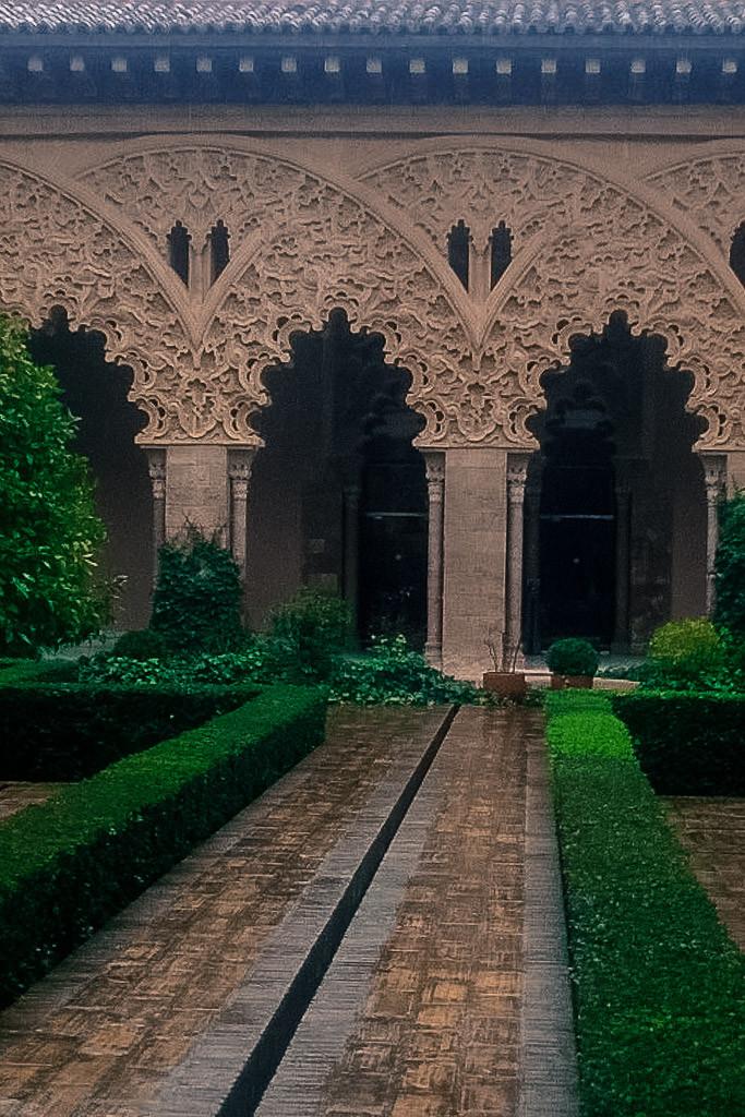 Cortile Palacio Aljaferia, Zaragoza, Spain.