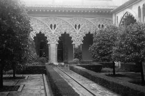 """Zaragoza (Aragon, Spain): Finding Manrico, """"il Trovatore""""."""