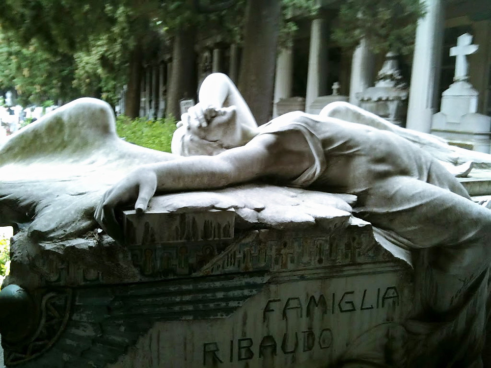 Tanatos ed Eros. Cimitero Monumentale di Staglieno, Genova.