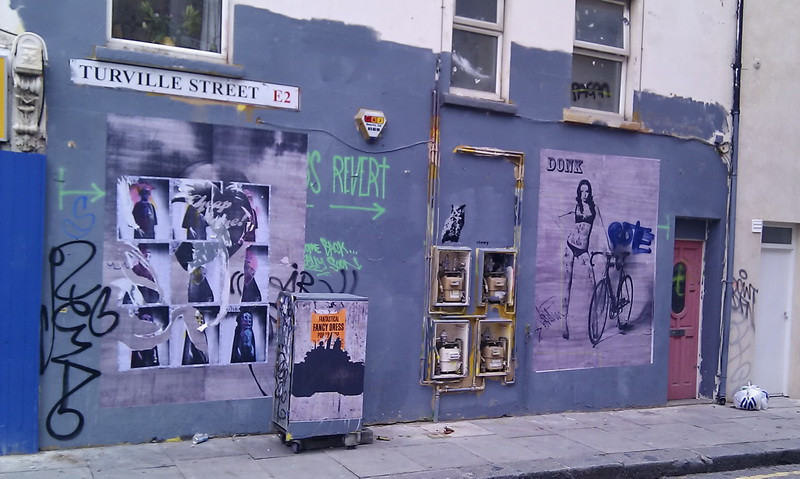 London (UK): from Store street to Bethnal Green, hunting for graffiti.