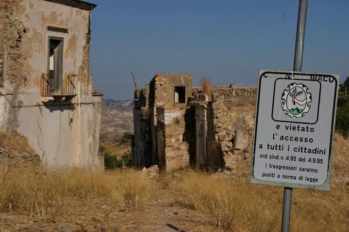 Craco Vero, Basilicata Italia vietato l'accesso