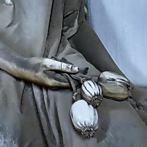 Semi di papavero per dimenticare ildolore della perdita. Cimitero Monumentale di Staglieno, Genova.