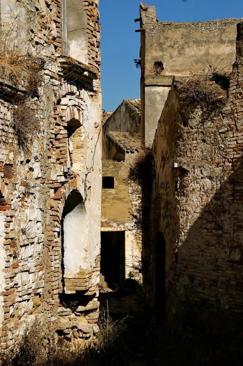 Craco vero, Basilicata, Italia; vicoli