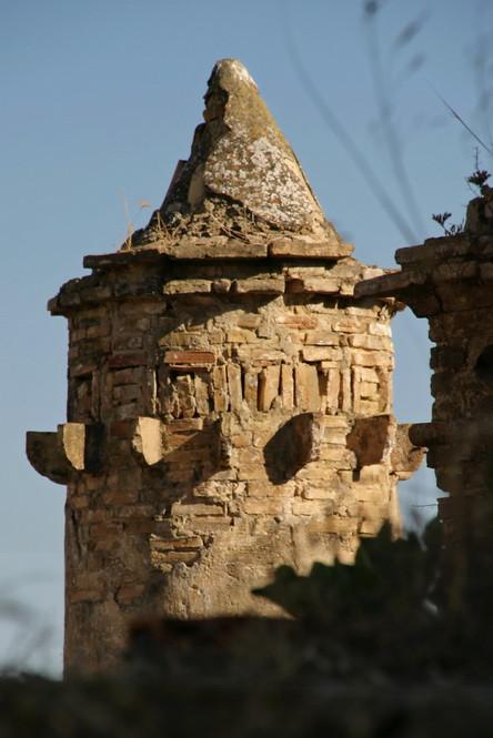 Craco Vero, Basilicata Italia  particolare della chiesa.