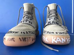 Sculpture- Pray for Kanye - erick artik