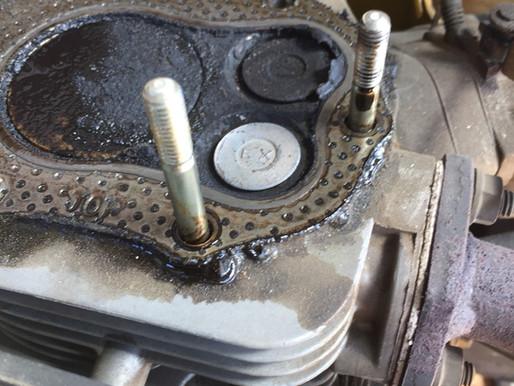コマツの発電機修理