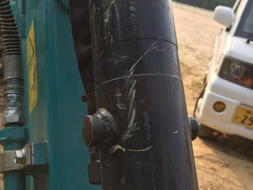 油圧ホースの早朝修理
